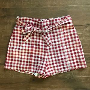 EUC 🌸 Red/White Gingham High Waisted Shorts
